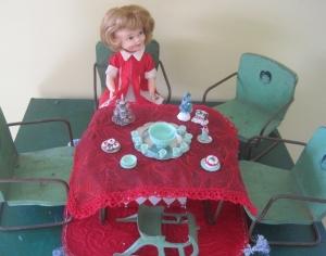 dectbl-doll